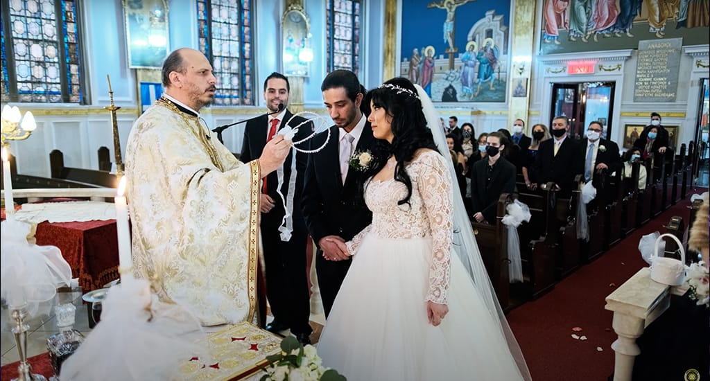 Στιγμιότυπα από το γάμο της ηθοποιού Άννας Τσουκαλά και του πιανίστα Γρηγόρη Ποστ.